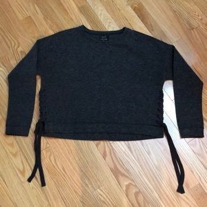 GENTLEFAWN dark grey medium crop top sweater